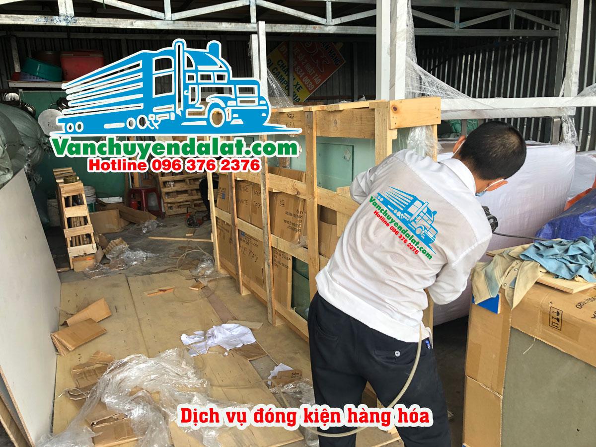 Vận chuyển hàng từ Hà Nội - Nha Trang-dich-vu-dong-goi-dong-kien-hang-hoa