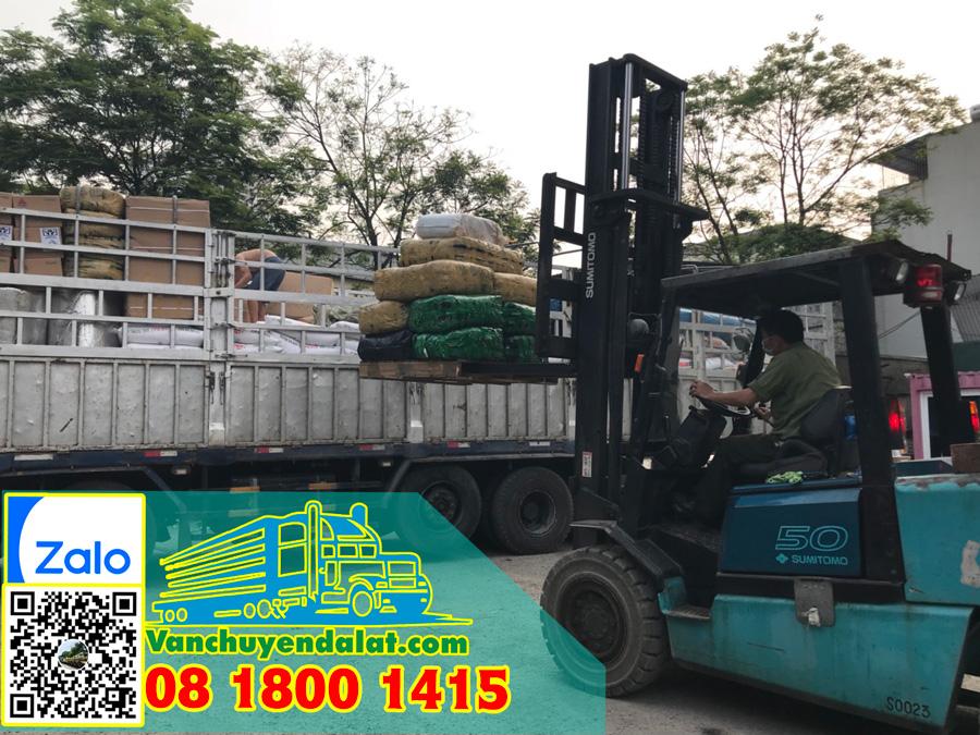 Phương tiện vận chuyển và nâng hạ hàng hóa